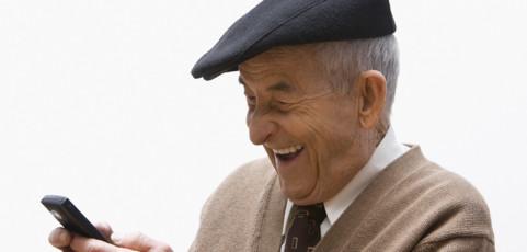Lo que tienes que buscar en un móvil dirigido a una persona mayor