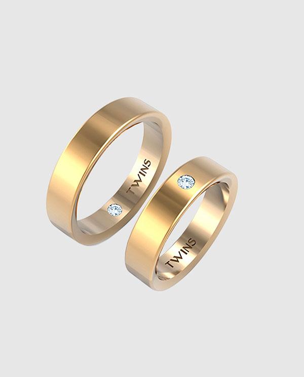 fbe260f15224 Completa tu bridal look con las joyas de novia que mejor se adapten a tu  estilo. Con la garantía de El Corte Inglés. Pareja de Alianzas Oro Amarillo  ...