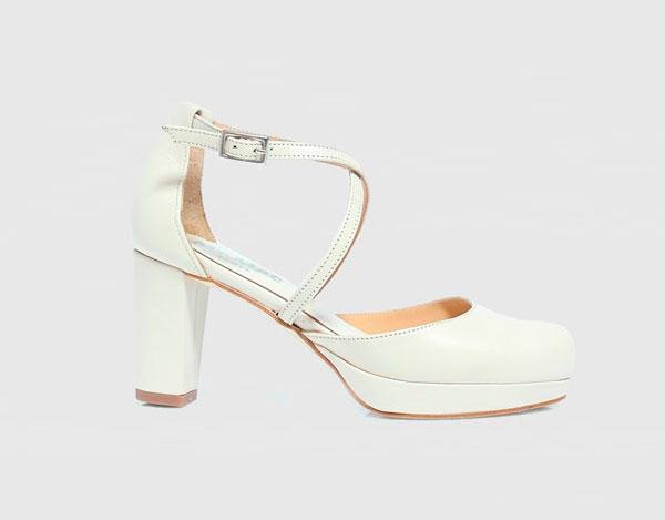 d70c23aadb88 Zapatos de salón de mujer Mr Mac Shoes con cierre de hebilla en blanco