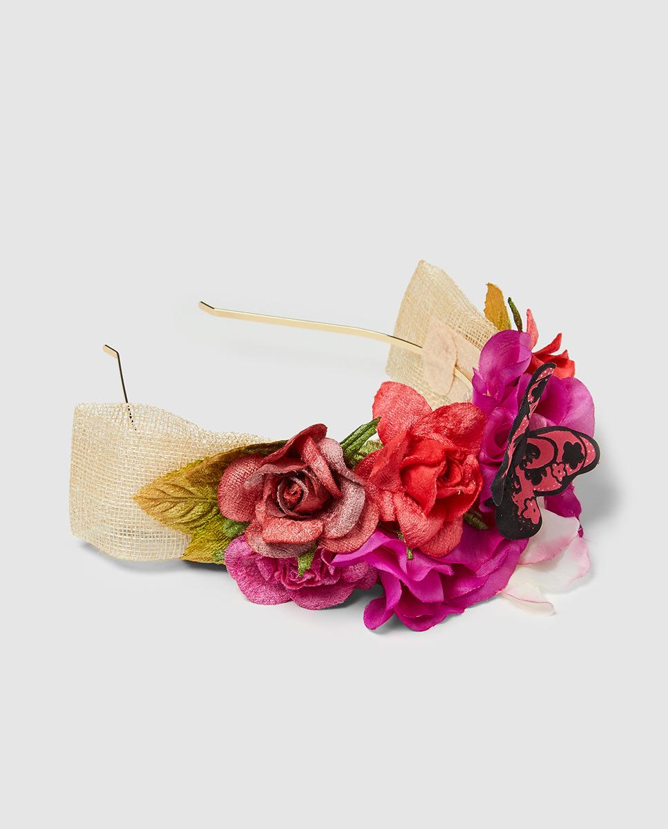 Tocados para invitadas de boda de verano - Bodamás e4f7f45d05d0f