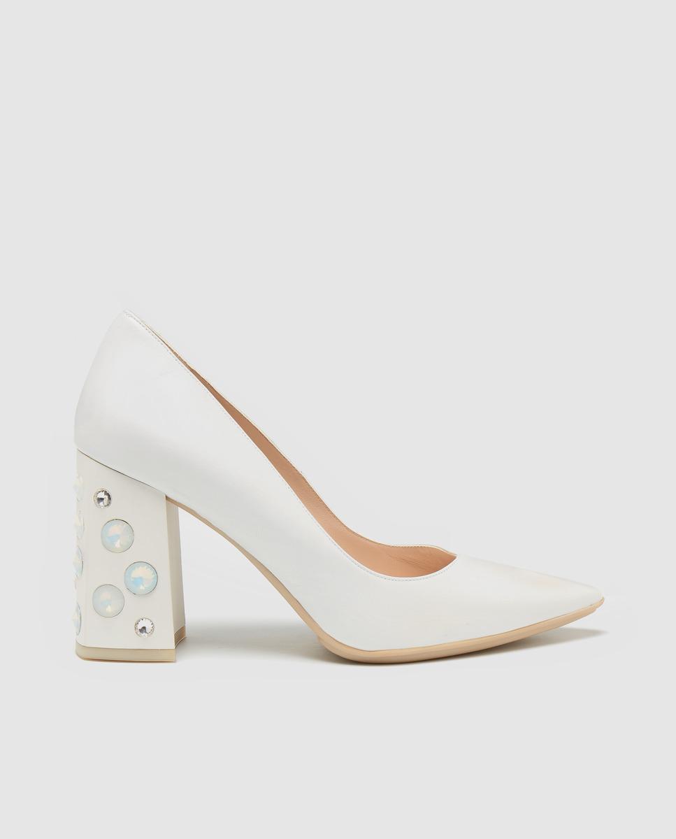 aab85dcffd67c Zapatos de salón de mujer Lodi de color blanco con pedrería en El Corte  Inglés