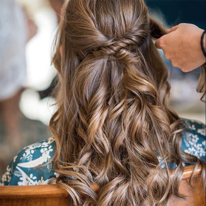 Peinado semi recogido invitada boda